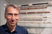 Prof. Dr. Josef Focht, Direktor des Musikinstrumentenmuseums der Universität Leiipzig und Sammlungsbeauftragter der Universität. Foto: Mike Sattler