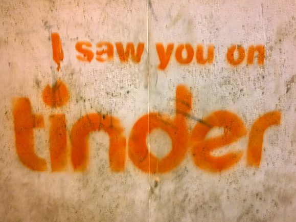 Killen Apps wie tinder oder OkCupid die Romantik? Wir fragen die Historikerin Moira Weigel.
