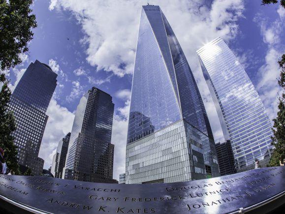 Das 9/11-Memorial am Ground Zero in New York erinnert an die Anschläge vom 11. September 2001.