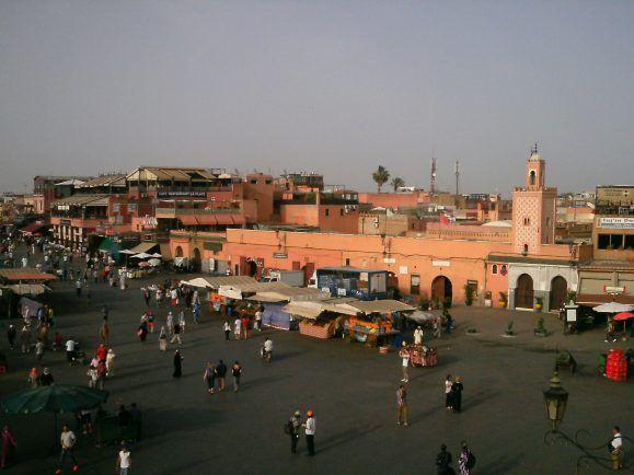 Der zentrale Marktplatz Djemaa el Fna in Marrakesch. Hier findet der Weltklimagipfel statt.