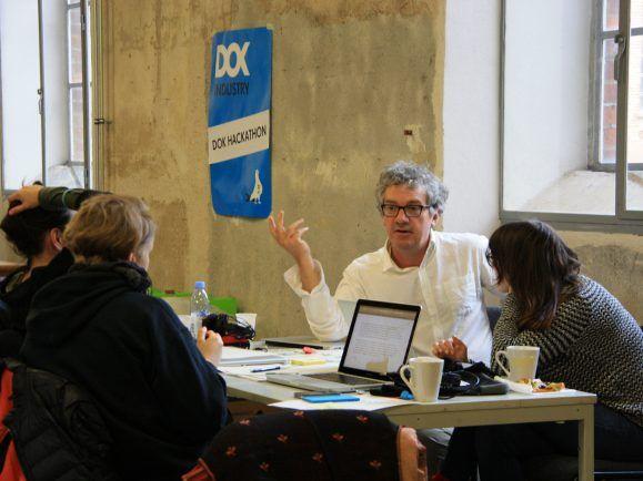 Die Teilnehmer des Hackathon beim DOK Leipzig suchen nach Ideen für ein Medienprodukt.