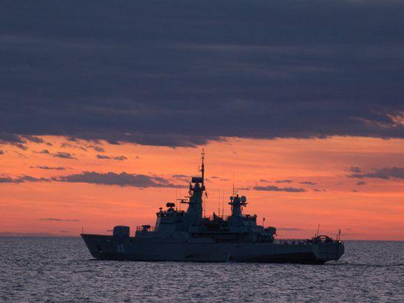 Ein finnisches Kriegsschiff im Rahmen einer NATO-Aktion.