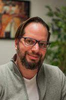 Tim Leibert arbeitet am Leibniz-Institut für Länderkunde IfL. Dort erforscht er Mobilitätsverhalten junger Deutscher.