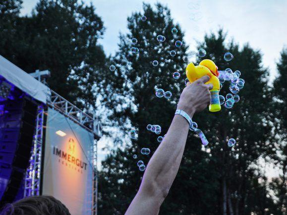 Immergut - die Seifenblasenente unter den Rockfestivals. Foto: Nina Sartorius