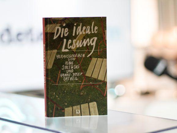 'Die ideale Lesung' wurde von Klaus Siblewski und Hanns-Josef Ortheil herausgegeben.
