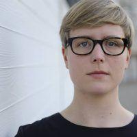 Bettina Soller ist Literaturwissenschaftlerin und arbeitet an ihrer Doktorarbeit zum Thema Fanfictions.