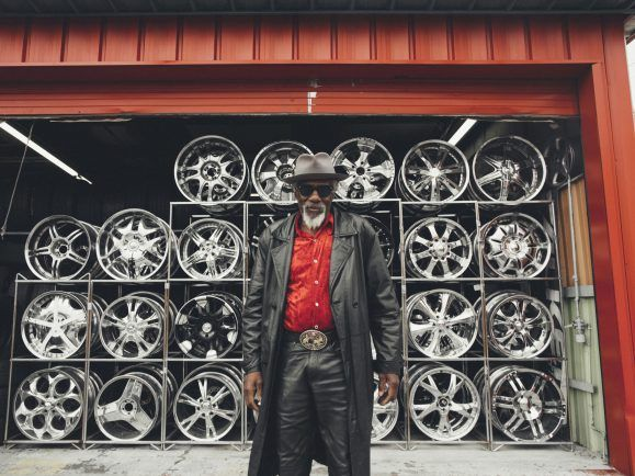 Wurde auf der Straße entdeckt: Bluesmusiker Robert Finley. Foto: Alysse Gafkjen