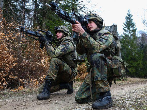 minderjährige Soldaten