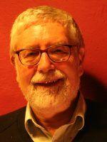Michael Brzoska ist ehemaliger wissenschaftlicher Direktor des Instituts für Friedensforschung und Sicherheitspolitik an der Universität Hamburg.