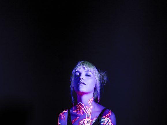 Die Dänin Lydmor hat sich für ihr neustes Album von Shanghai inspirieren lassen. Foto: Anna Marin Schram