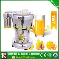 Commercial fruit juice extractor for the bars use