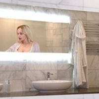 "AVEL 32"" Magic Mirror Waterproof TV For Living Room Bathroom Shower / Kitchen"