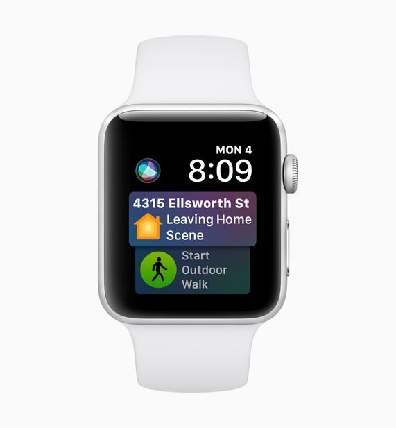Apple Watch displaying Siri predictive scheduling screen