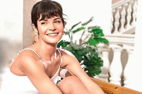 Анна Пескова: «Я знаю лучшее средство от синяков под глазами»