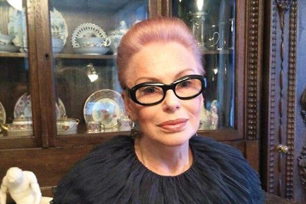 Ирина Понаровская феерично выступила в караоке-баре