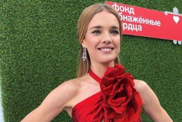 Образ дня: Наталья Водянова в Balmain