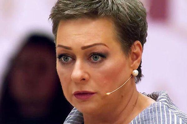 Мария Аронова объяснила, зачем в 46 лет вышла замуж