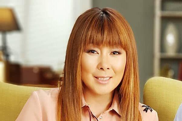 Аниту Цой на вертолете доставили в столичную больницу