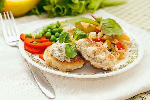 Рецепты от Ирины Медведевой: рыбные котлеты, ванильные сочники и клубничный лимонад