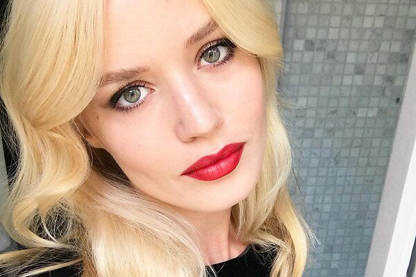 Дочь Мика Джаггера создала собственную линию косметики