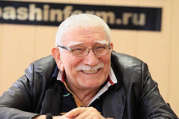 Армен Джигарханян экстренно госпитализирован в Москве