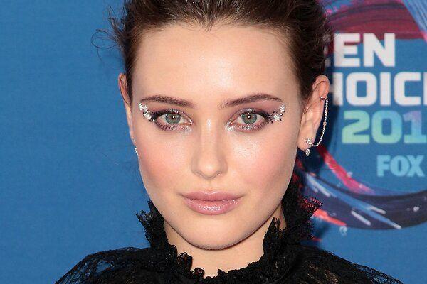 Звездный час: сияющий макияж Кэтрин Лэнгфорд поразил гостей Teen Choice Awards