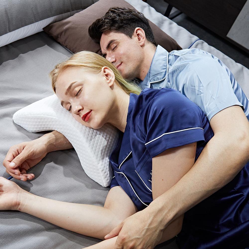 Oreiller en mousse à mémoire de forme à rebond lent incurvé Anti-pression pour les mains et la Protection du cou et des bras morts