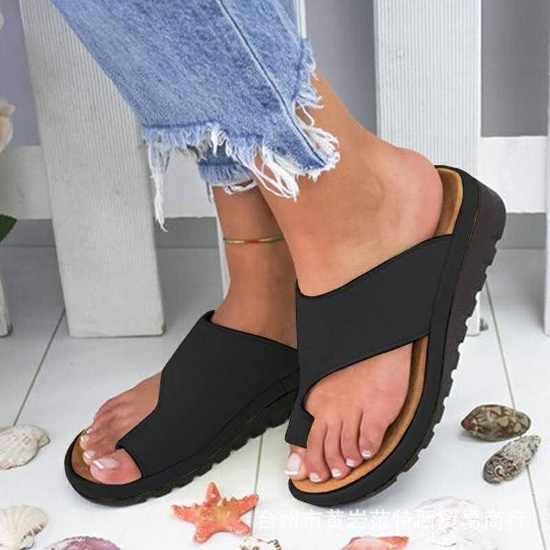 Grande taille petit Code sandales femme été Europe et amérique femmes compensées semelle épaisse orteil pantoufles chaussures de plage