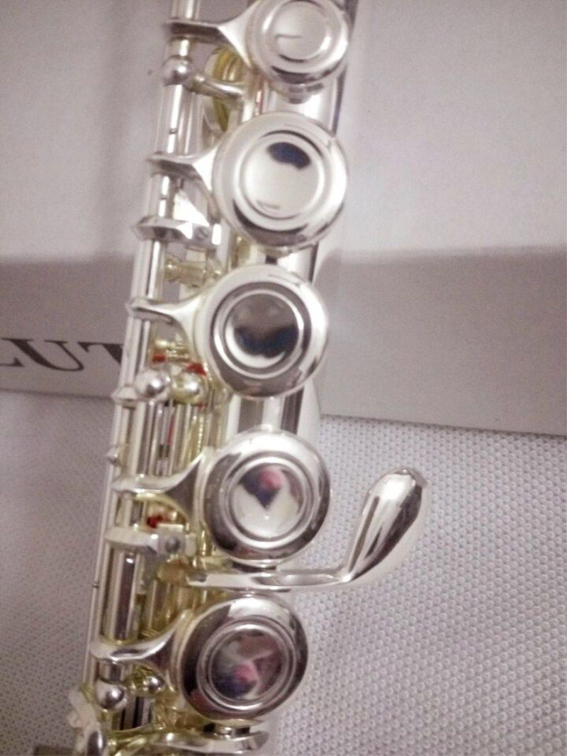 High quality Japan flute YFL-211SL musical instrument Flute 16 over C Tune and E-Key Flute music professional shipping