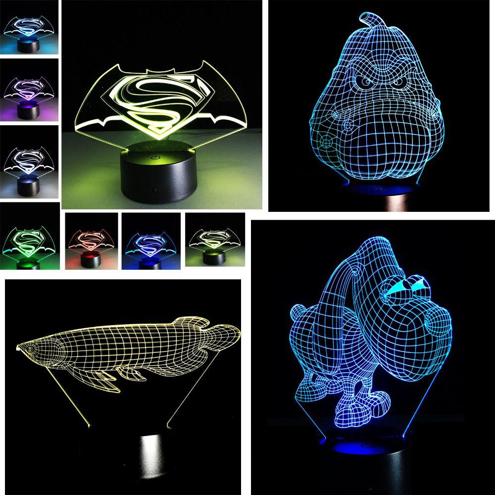 Caliente Venta de dibujos animados 3D lámpara LED USB baymax Batman cráneo deportivo casco Superman cráneo animal perro pokemons go colorido noche luz
