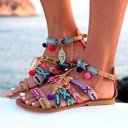 Nouveau Mode Sandales Femmes Bohême Casual Chaussures De Luxe En Cuir Sandales Appartements Chaussures Pom-Pom Sandales Zapatos Mujer 2018 Chaude vente