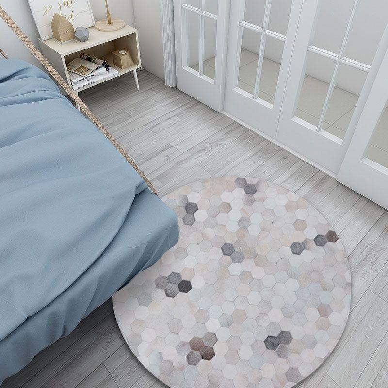 Round shaped natural cowhide seamed rug bedroom floral cowhide carpet custom Designer soft hand-spliced cow hide carpet
