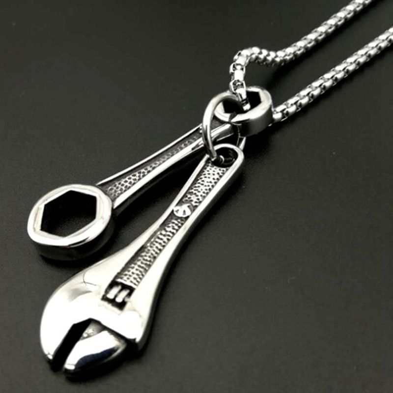 2018 Fashion Hip Hop Wrench Pendant Mens Titanium Stainless Steel Mechanic Wrench Tool Charm Wrench Pendant