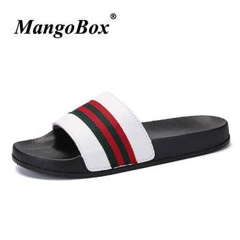 Hommes Pantoufles D'été Plat 2018 D'été Hommes Chaussures Respirant Plage Pantoufles Wedge Noir Blanc Flip Flops Hommes Marque Diapositives Pantoufles