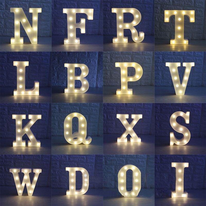 AZ Alfabeto Carta De Plástico LLEVÓ la Batería de Luz Nocturna Lámpara de 22 CM Colgante de Pared Luces de La Noche de Navidad Romántica Wedding Party Decor