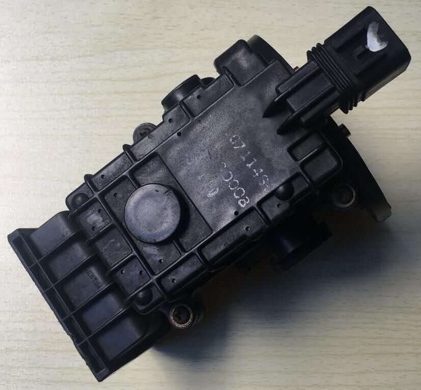 1pc Japan original maf sensors MD118127 E5T01371 air flow sensors fit for mitsubishi delica 4g64 2.4L pajero 4x4 v6 3000