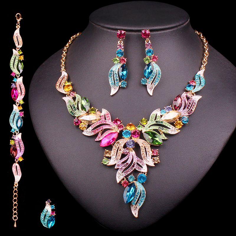 Nouveaux ensembles de bijoux de mariée indiens de luxe bijoux fantaisie de fête de mariage cadeaux de mode pour femmes feuilles cristal collier boucles d'oreilles ensembles