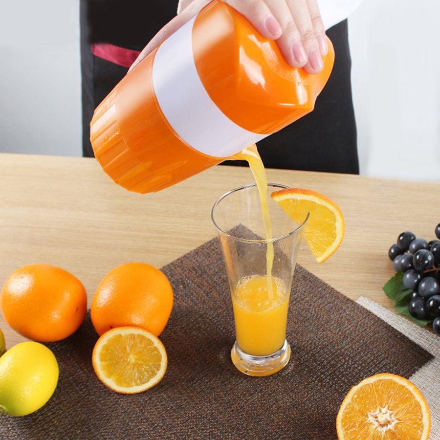 Mini Juicer Household Manual Juicer Juice Bottle Mini Travel Small Fruit Squeezer Machine Extractor Hand Press Juicer Tool