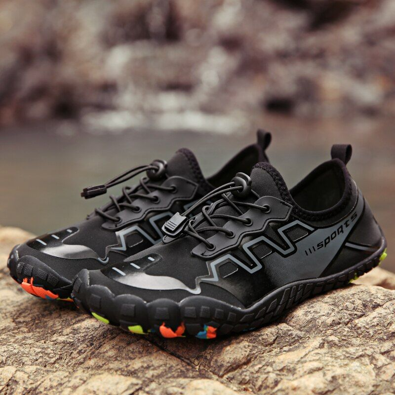 Été eau chaussures hommes plage sandales en amont Aqua chaussures femmes séchage rapide rivière pantoufles plongée natation chaussettes Tenis Masculino