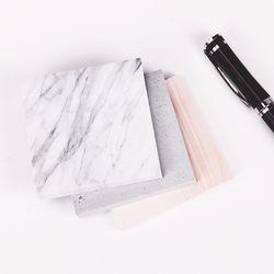 1 PC (75 feuilles) La Couleur de Marbre Bloc-Notes Auto-Adhésif Mémo Pad Collant Notes Post It Bookmark Fournitures de Bureau de l'école