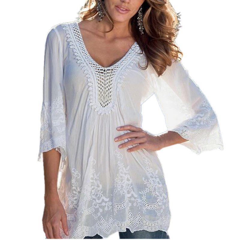 Новинка 2017 года женские пикантные Кружево полые Дизайн V шеи 3/4 рукава Белые блузы See Through летние пляжные футболки blusas