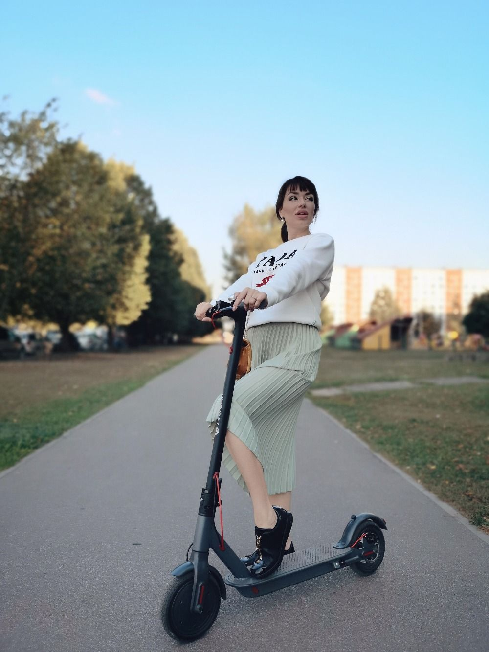 SUPERTEFF EW6 electric scooter 30km folding kiki scooter 8.5 inch solid tires two wheel scooter easy to carry and storage