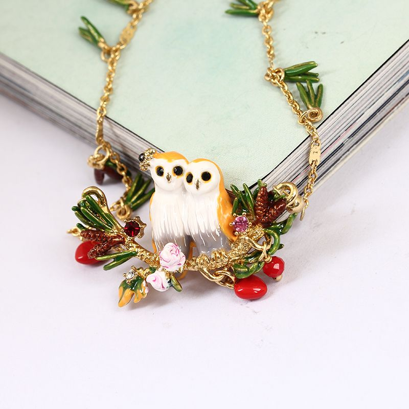 France Enamel Owl Series Snow Owl Crystal Pine Needles Sweater Chain Woman Gold Ornaments Party Jewelry
