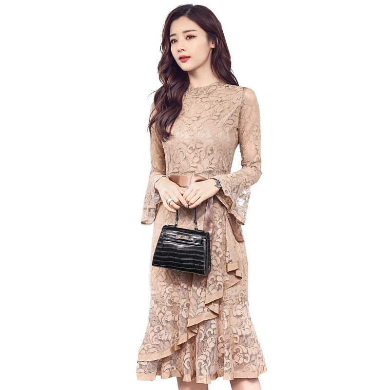 Spring Clothes Woman 2018 New Pattern Korean flare sleeve Lace dress Fish Tail Dress Package Hip dresses