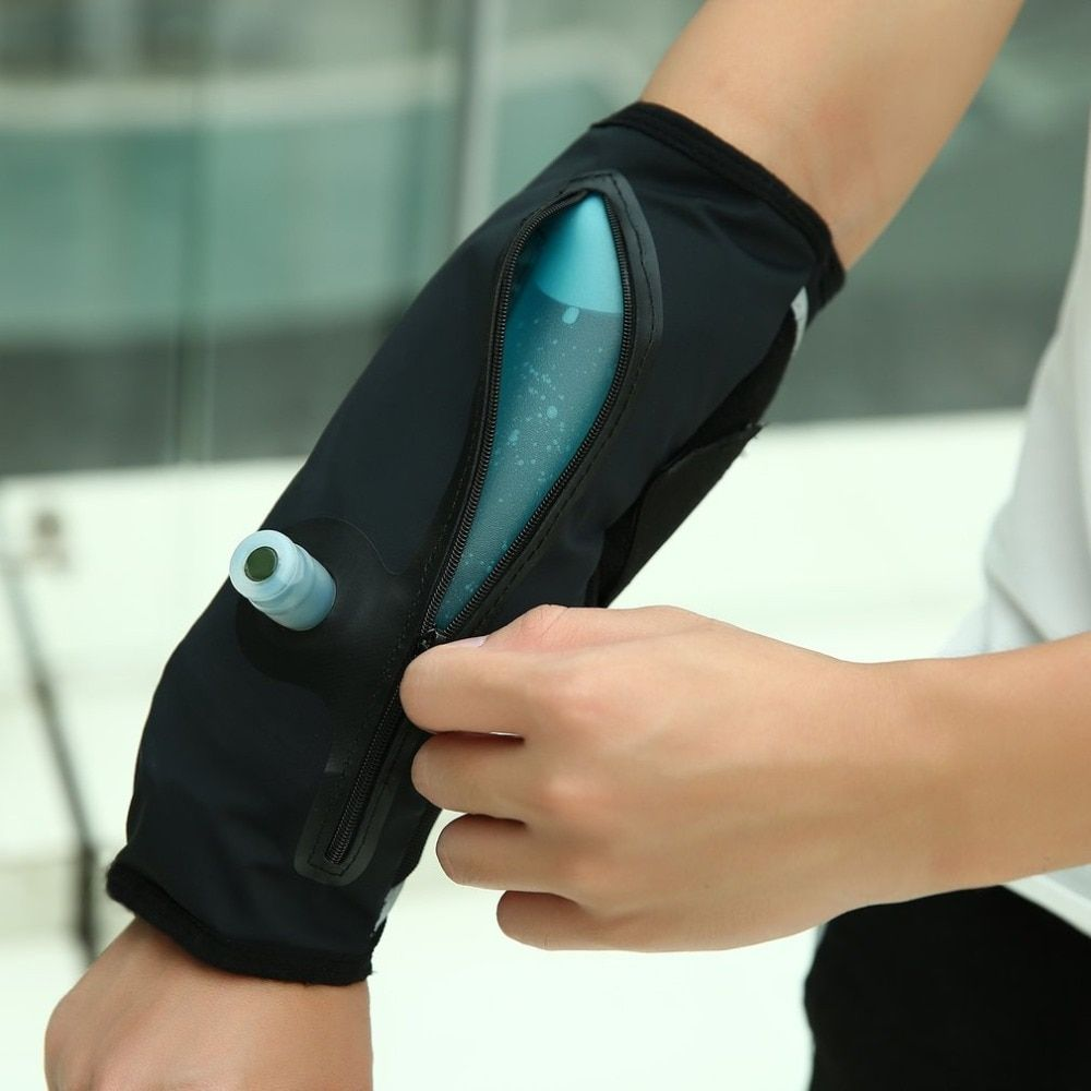 Detachable Hydration Pack Armband System Arm Water with Food Grade Silicone Mouthpiece 350ML