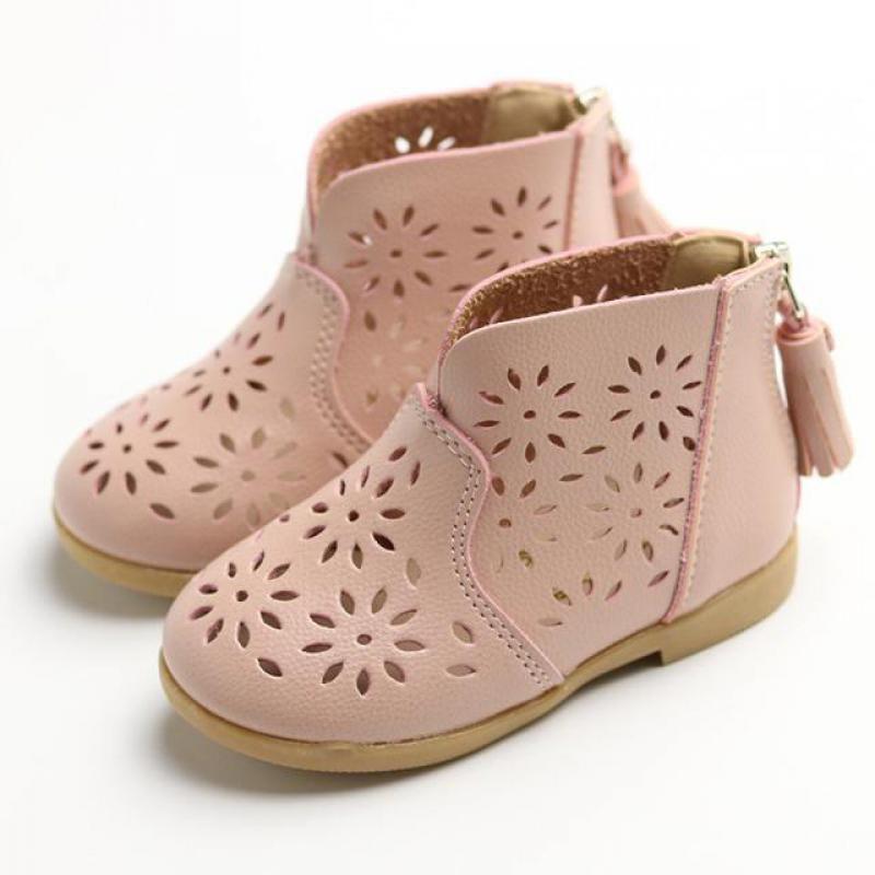 2017 New Girls Short Botas de Princesa Niños Femeninos Zapatos Suaves Zip Bajo de Cuero Infantiles Snow Boot Para Niña Franja Flor Cut-Outs