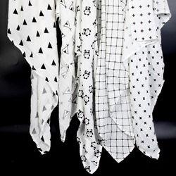 Ainaan Mousseline de Coton Bébé Langes Pour Nouveau-Né Bébé Couvertures Noir et Blanc Serviette De Bain De Gaze