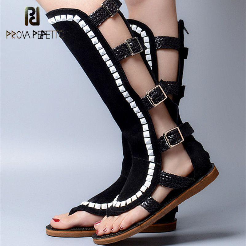 Prova Perfetto Gladiator Stil Schnalle Quadrat Nieten Flache Unterseite Frauensandelholze Open Toe Weiche Alleinige Elegante Boot Sandalen