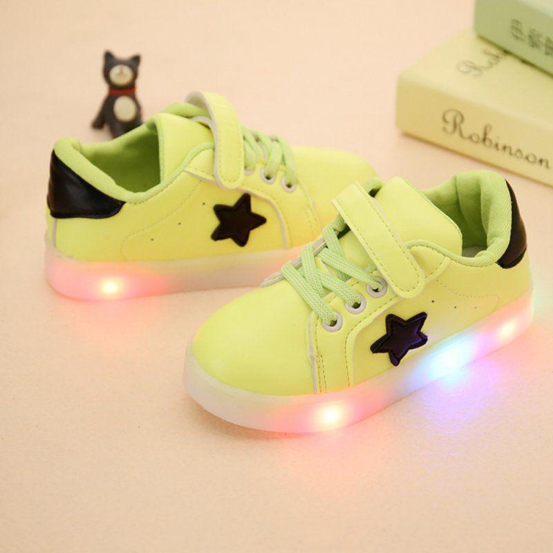Super cool bebé luminoso sneakers 2017 moda LED Zapatos niños Iluminación casual Zapatos Niñas Niños luz brillantes zapatos j2