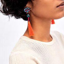 Mejor señora Nueva joyería declaración de moda barato de la borla pendiente largo para las mujeres 13 colores de la boda cuelga los pendientes de gota al por mayor